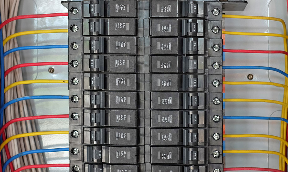 circuit breakers in control box
